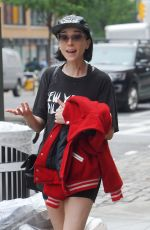 ST VINCENT  Out and About in New York 05/31/2017