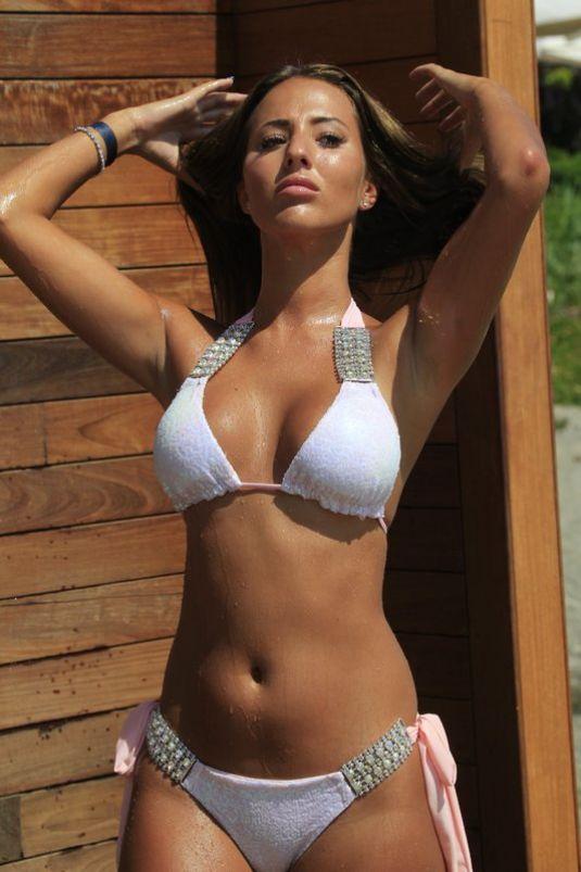 Bikini Yazmin The Fox Nude HD