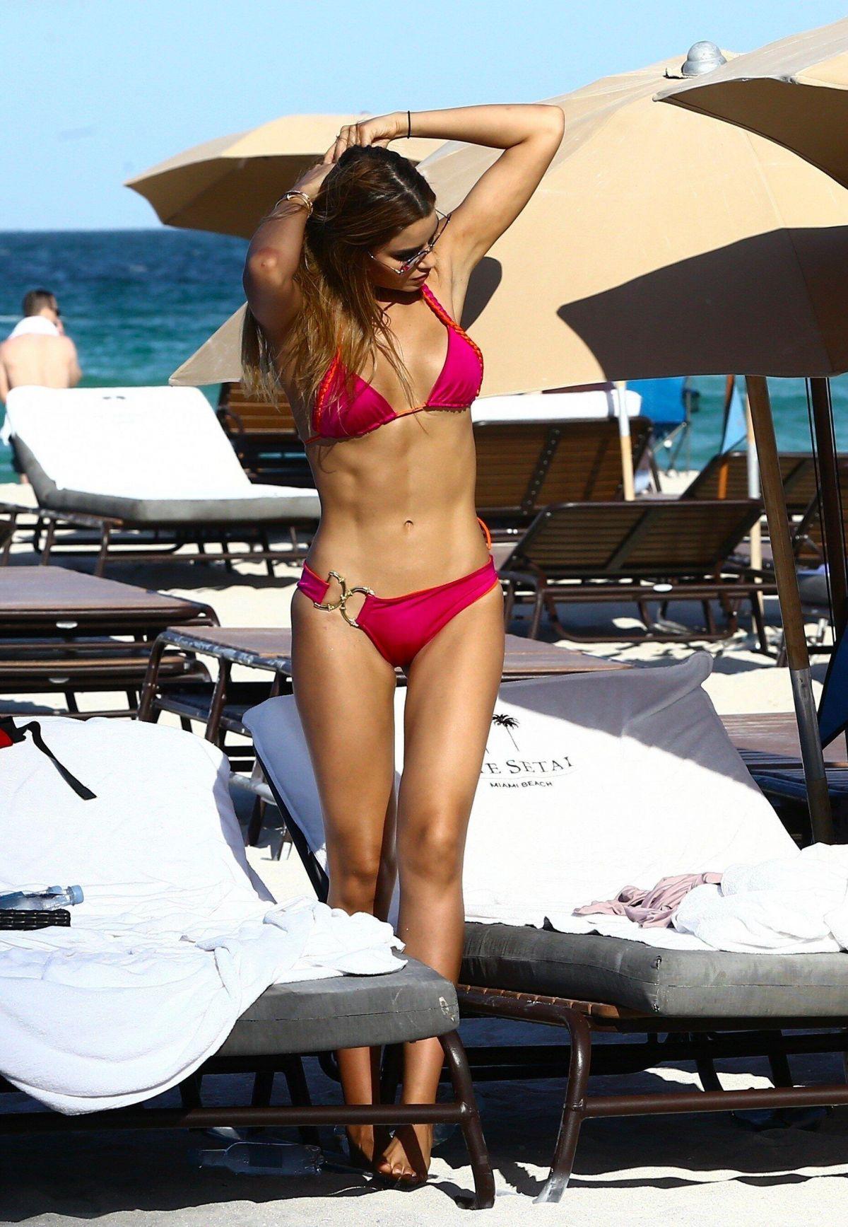 ARIADNA GUTIERREZ in Bikini on the Beach in Miami 07/03/2017