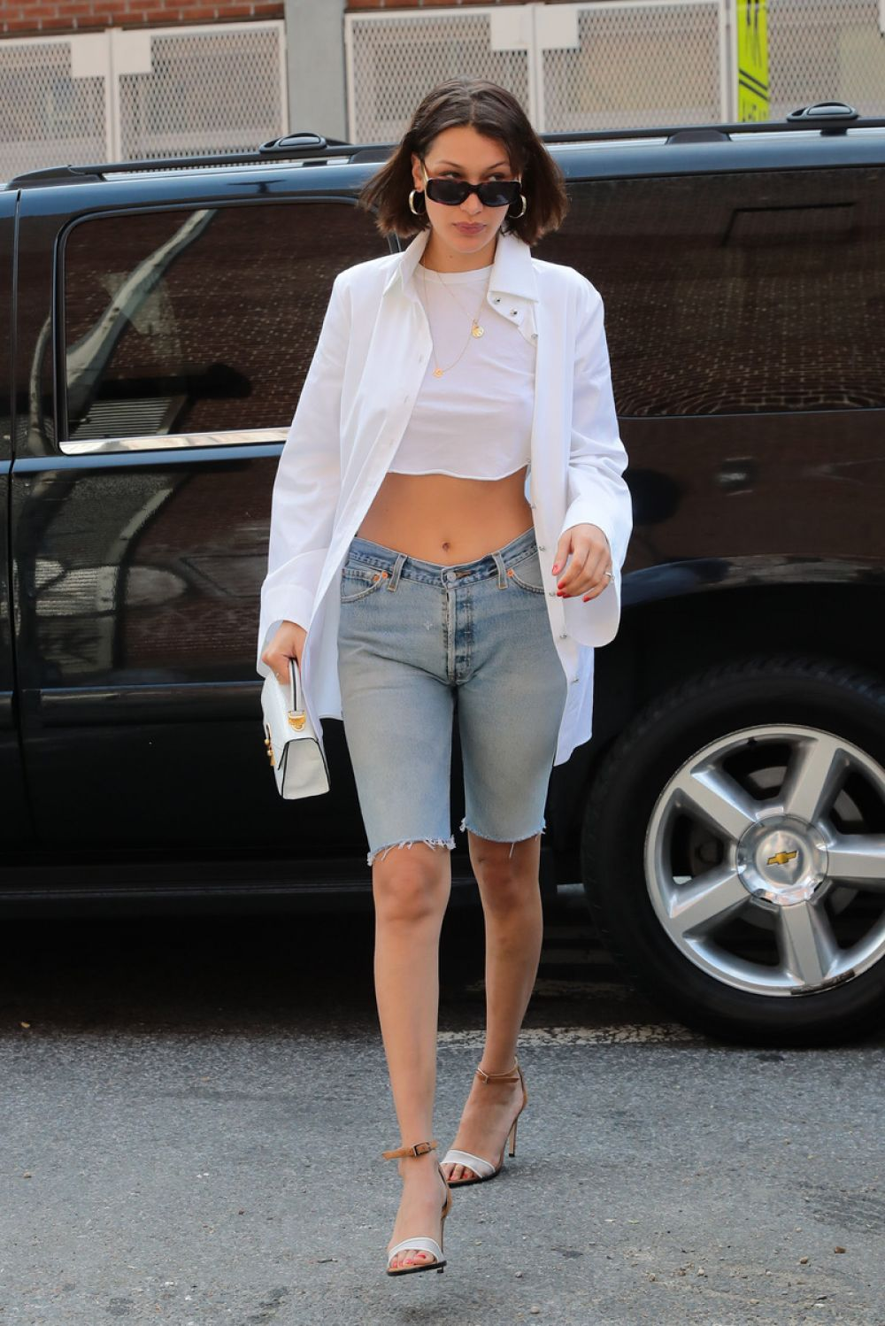 79abd413747019 BELLA HADID Leaves Her Apartment in New York 07 20 2017 - HawtCelebs