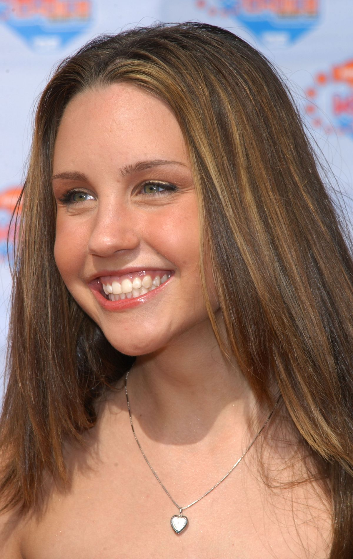 Best from the Past - AMANDA BYNES at 2002 Kids
