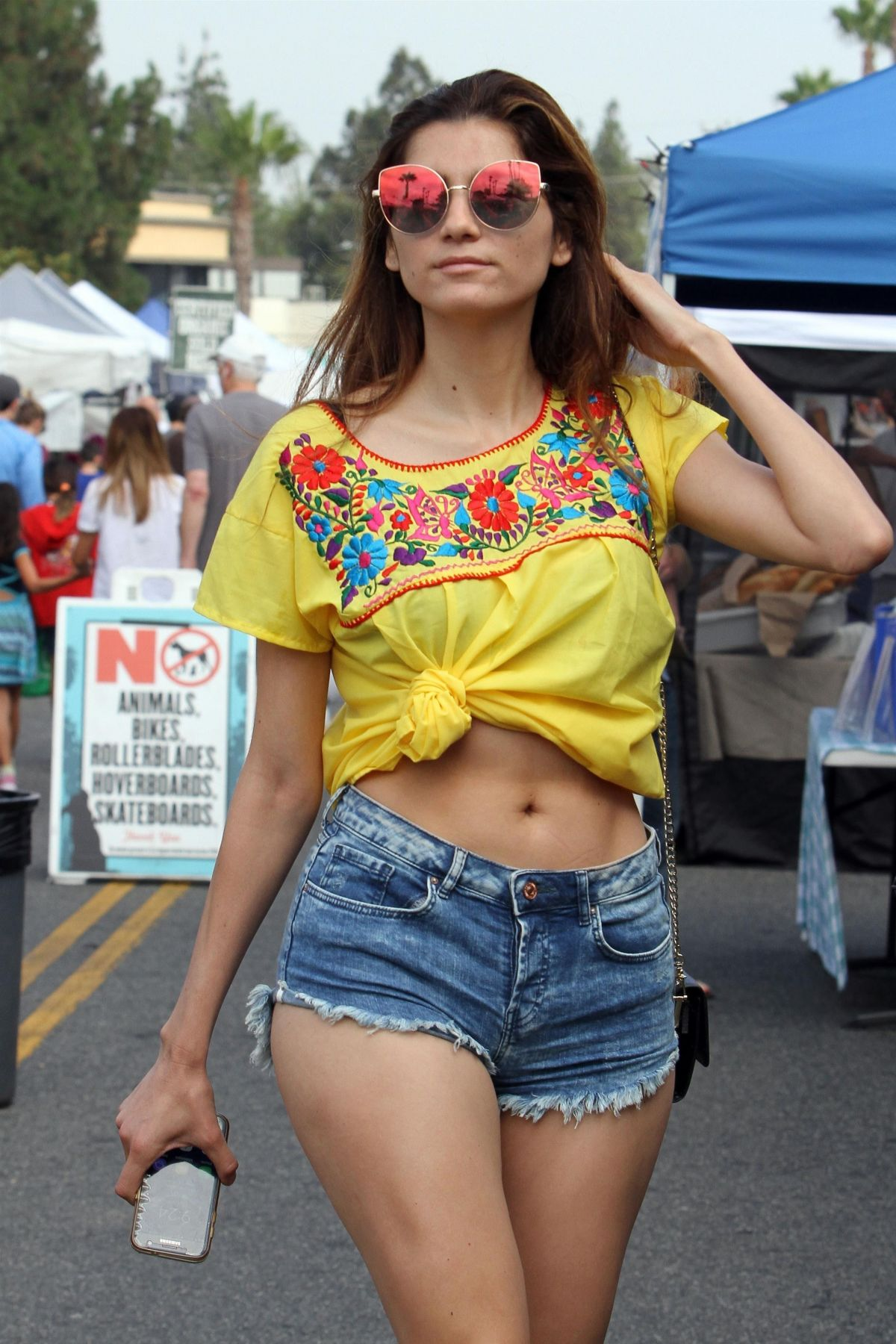 BLANCA BLANCO in Cut Off at Farmer