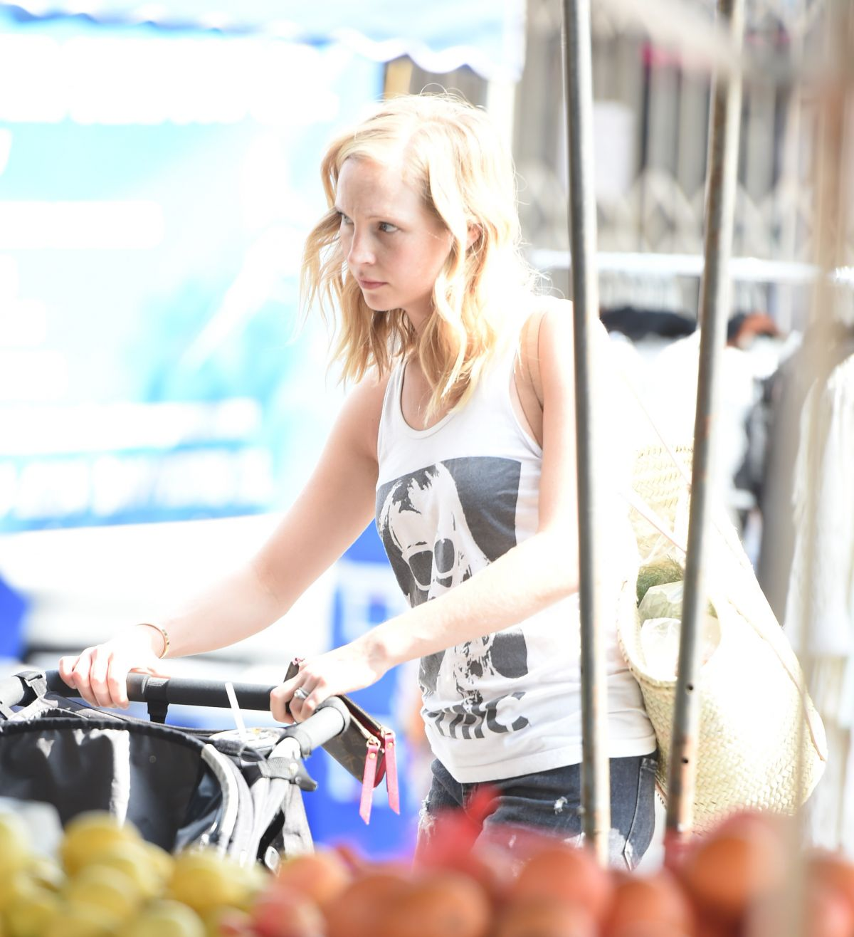 CANDICE KING at Farmers