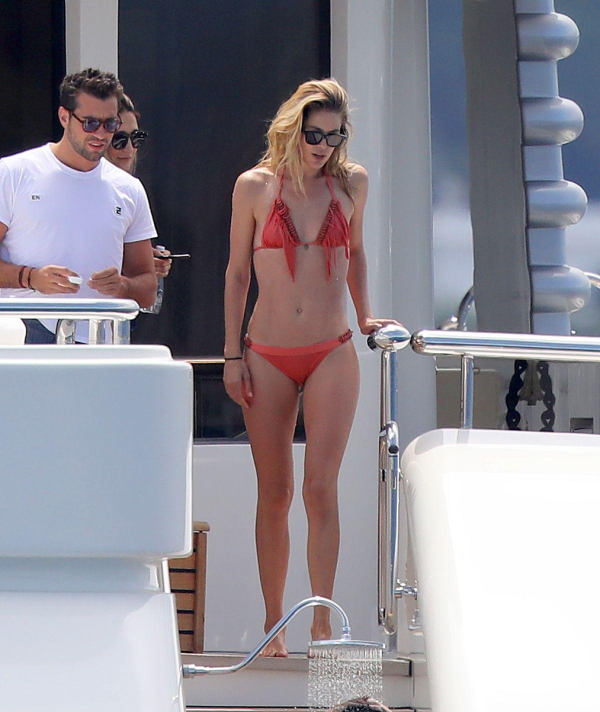 DOUTZEN KROES in Bikini at a Yacht in France 07/27/2017   doutzen-kroes-in-bikini-at-a-yacht-in-france-07-27-2017_4