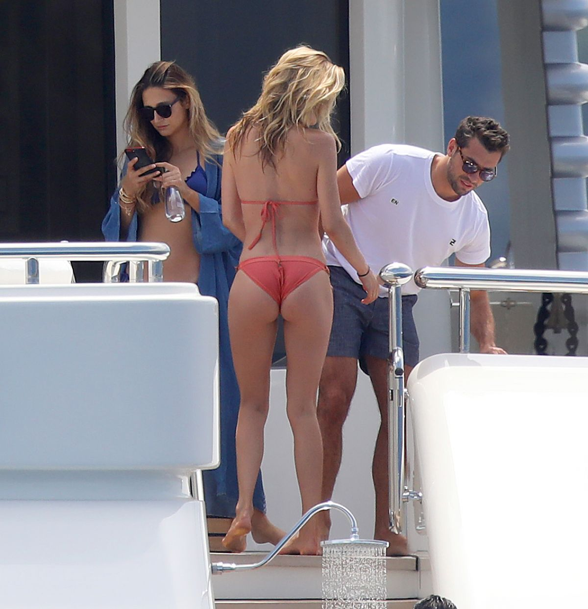 DOUTZEN KROES in Bikini at a Yacht in France 07/27/2017   doutzen-kroes-in-bikini-at-a-yacht-in-france-07-27-2017_5