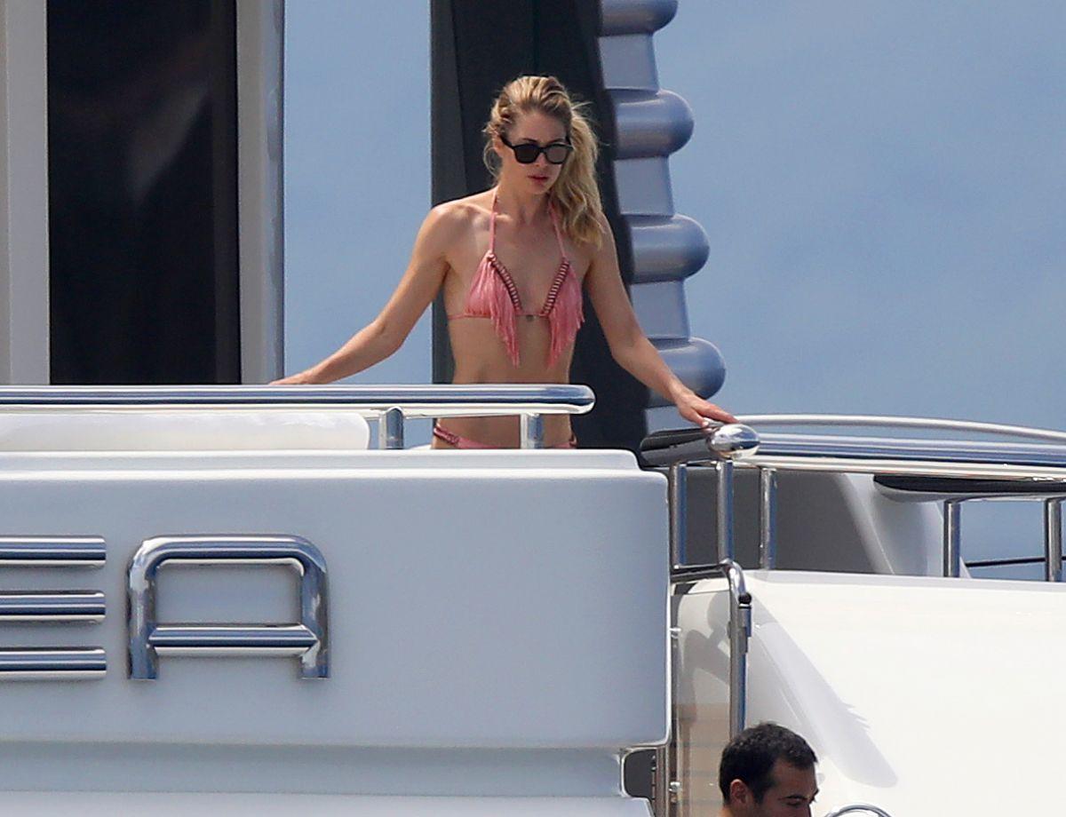 DOUTZEN KROES in Bikini on a Yacht in France 07/27/2017   doutzen-kroes-in-bikini-on-a-yacht-in-france-07-27-2017_2
