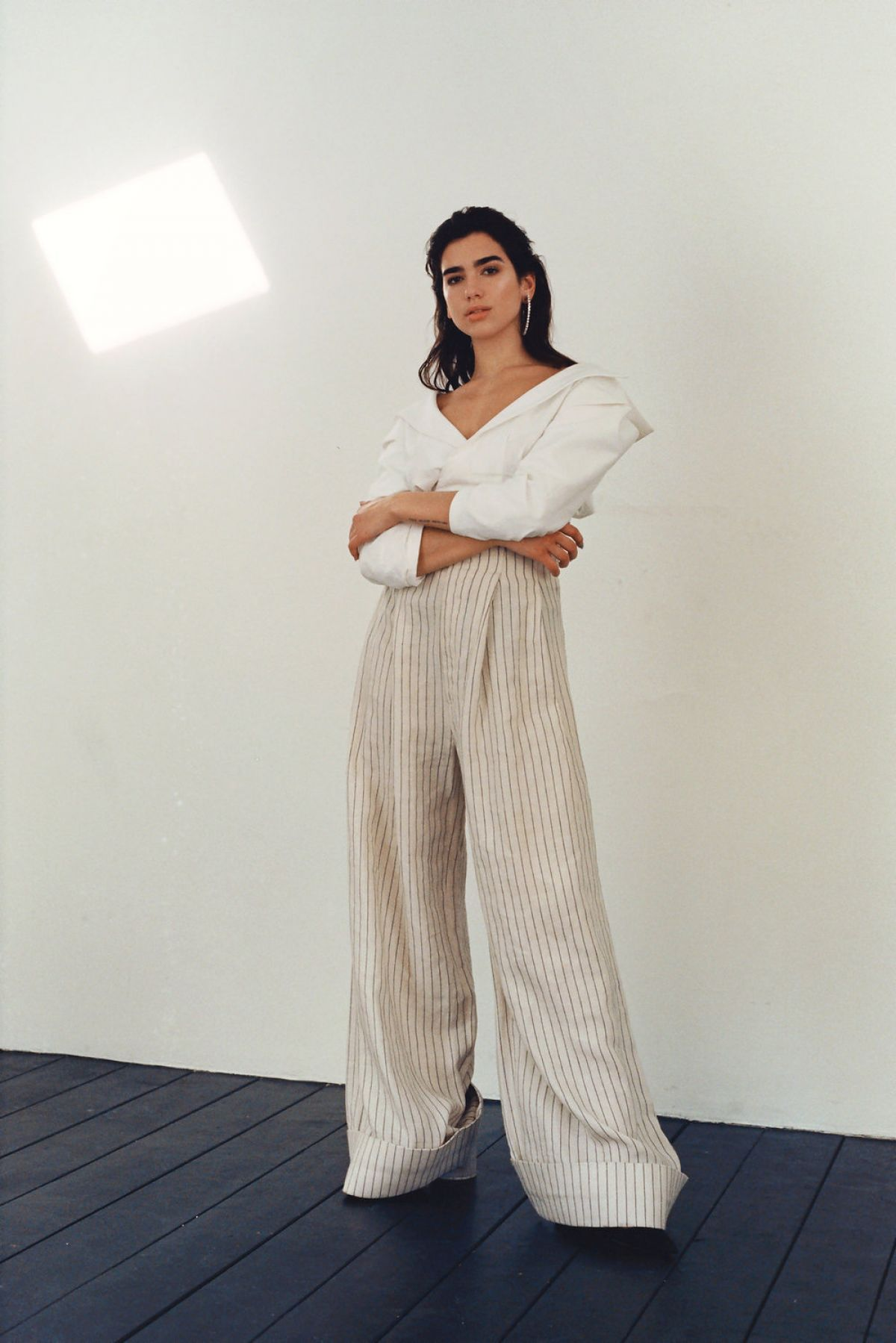 dua-lipa-for-modzik-magazine-2017_3.jpg
