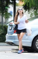 ELIZABETH OLSEN Heading to Bed Bath and Beyond in Los Angeles 07/13/2017