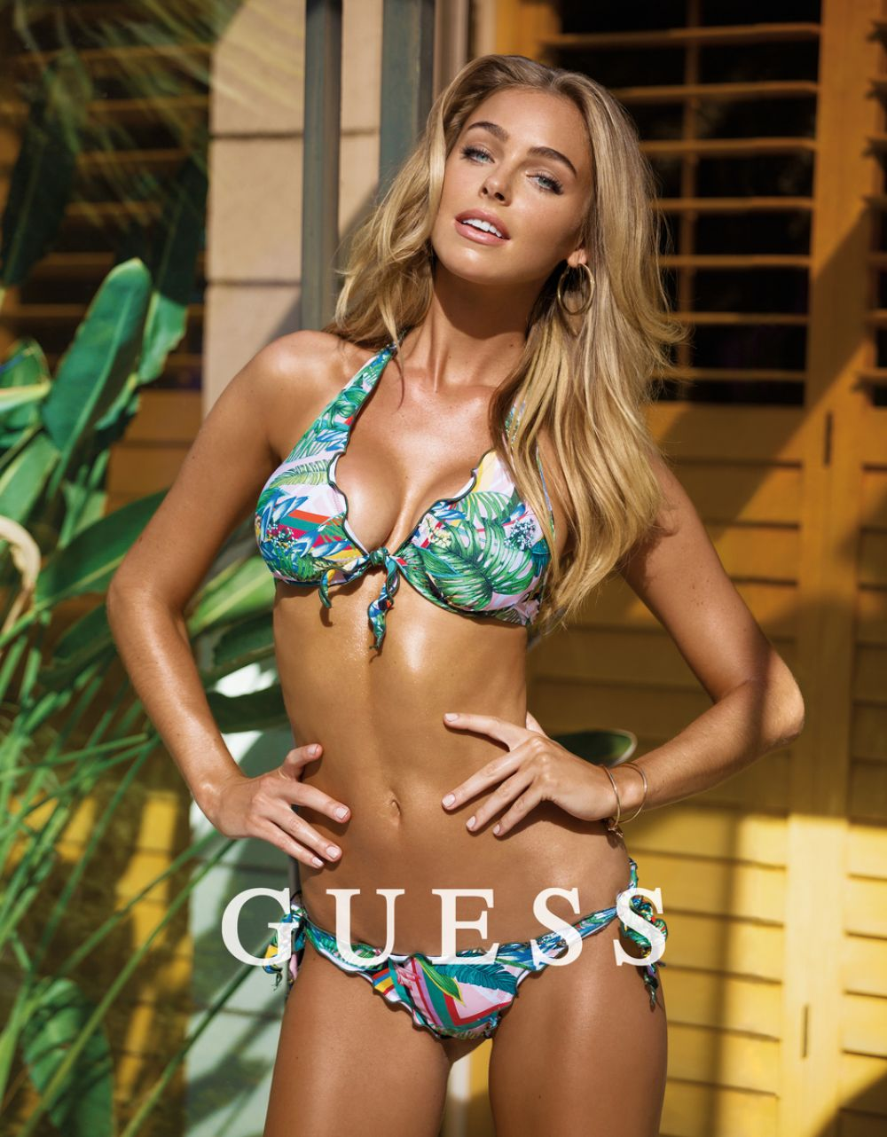 ELIZABETH TURNER for Guess 2017 Collection
