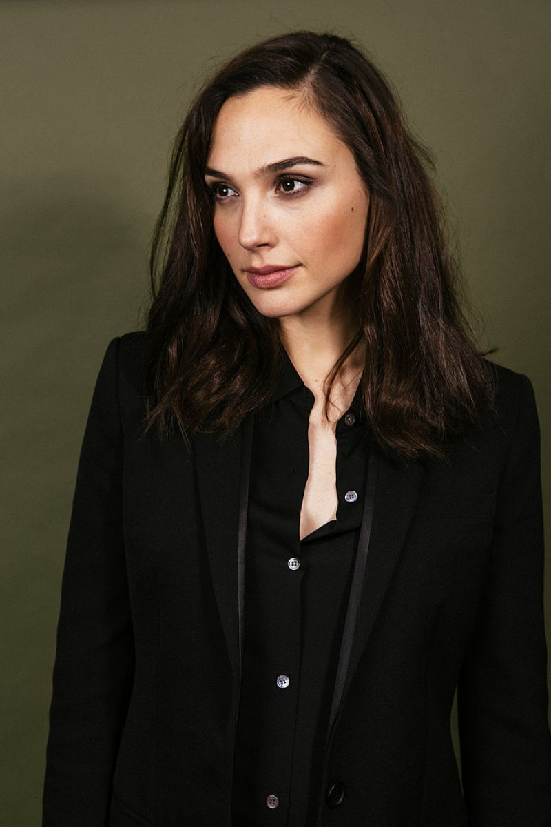 gal gadot - photo #1