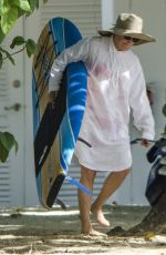 GLENN CLOSE Paddleboarding in Barbados 07/02/2017