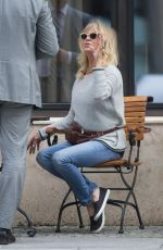 GOLDIE HAWN at Tegel Airport in Berlin 07/05/2017\