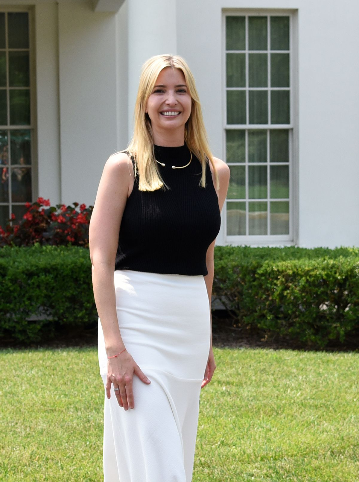 IVANKA TRUMP with Students in Front of West Wing at White House 07/20/2017