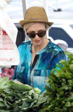 JANE LYNCH Shopping at Farmer