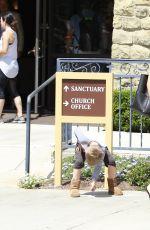 JENNIFER GARNER Leaves a Church in Los Angeles 07/09/2017