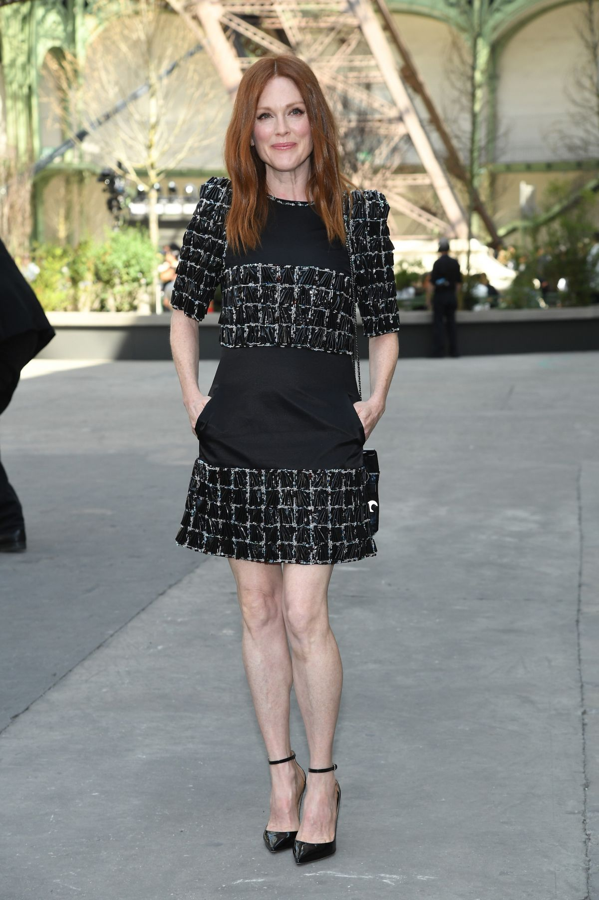 Julianne Moore At Chanel Fashion Show In Paris 07 04 2017