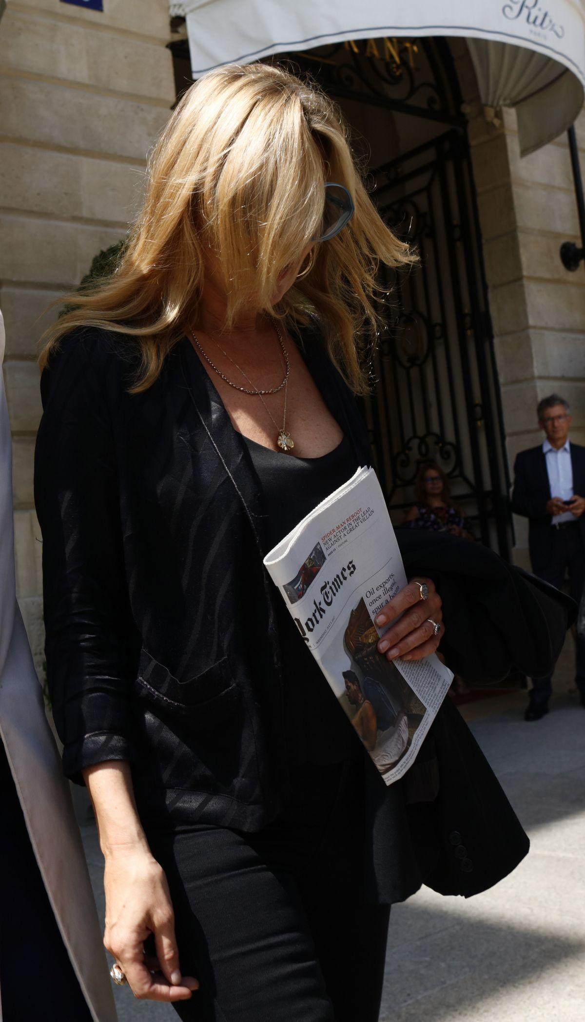 Kate Moss Leaves Her Hotel In Paris 07 05 2017 Zune2016
