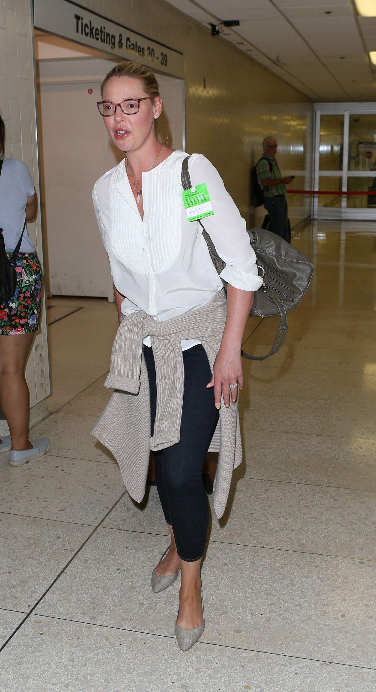 KATHERINE HEIGL at Los Angeles International Airport 07/10/2017