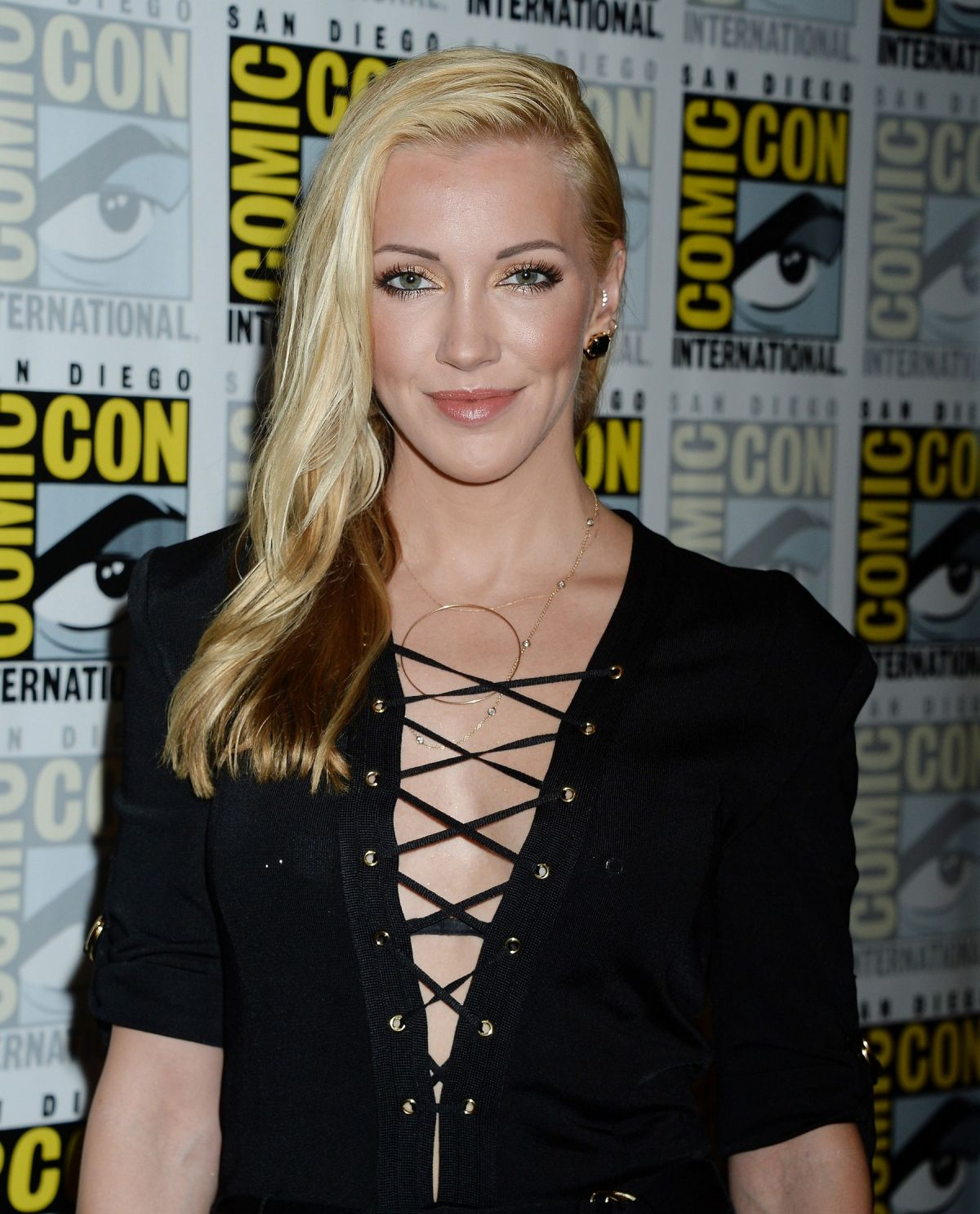 KATIE CASSIDY at Arrow Press Line at Comic-con in San ...