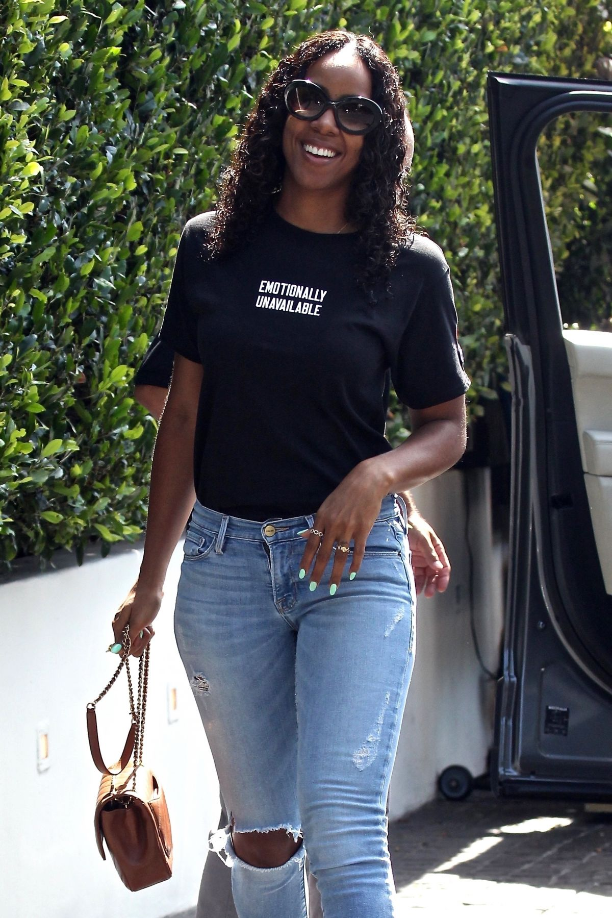 KELLY ROWLAND Out for Lunch at Cecconi