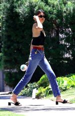KENDALL JENNER in Tight Jeans Leaves a Friend