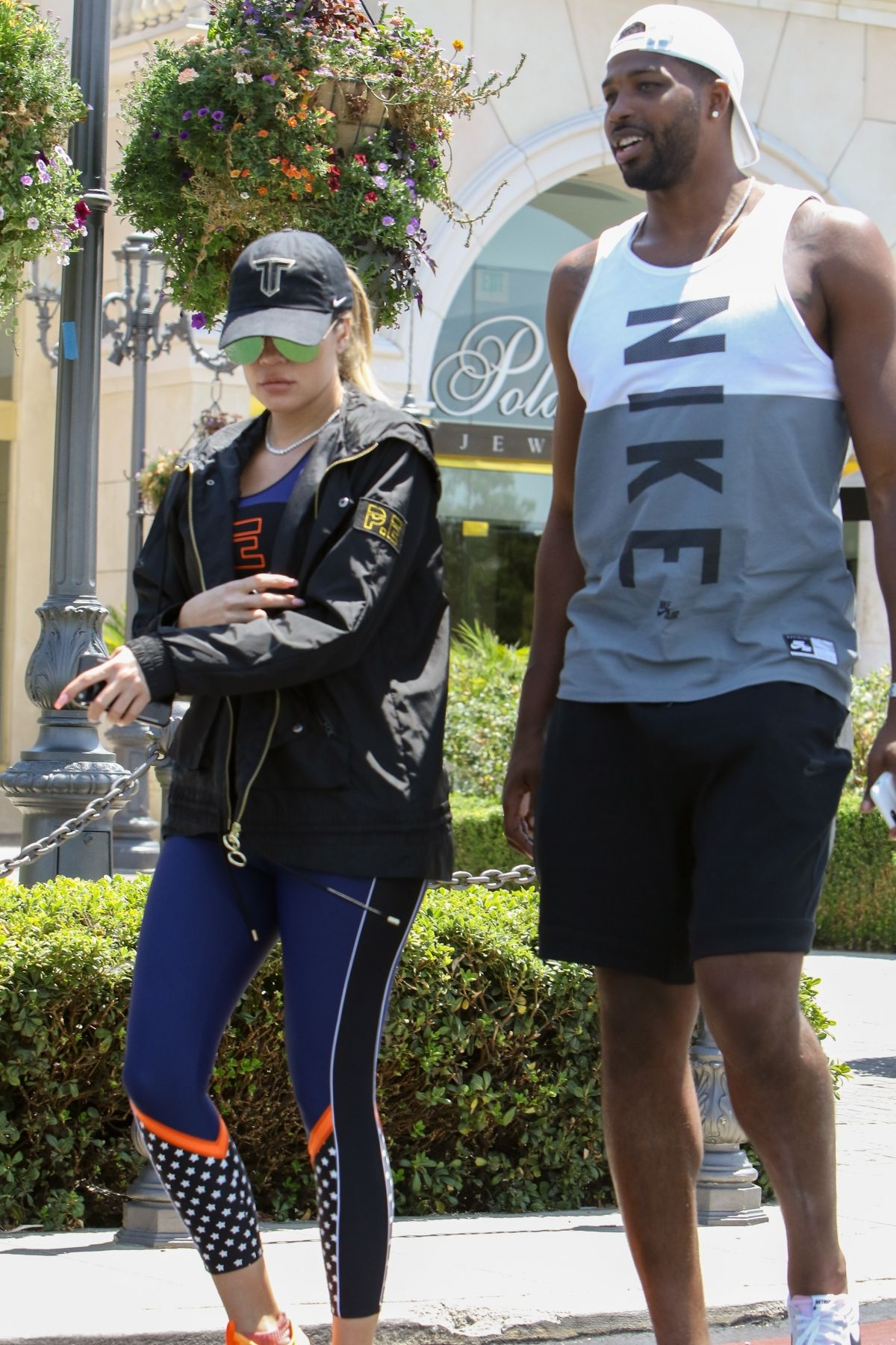 KHLOE KARDASHIAN Out for Lunch in Calabasas 07/13/2017