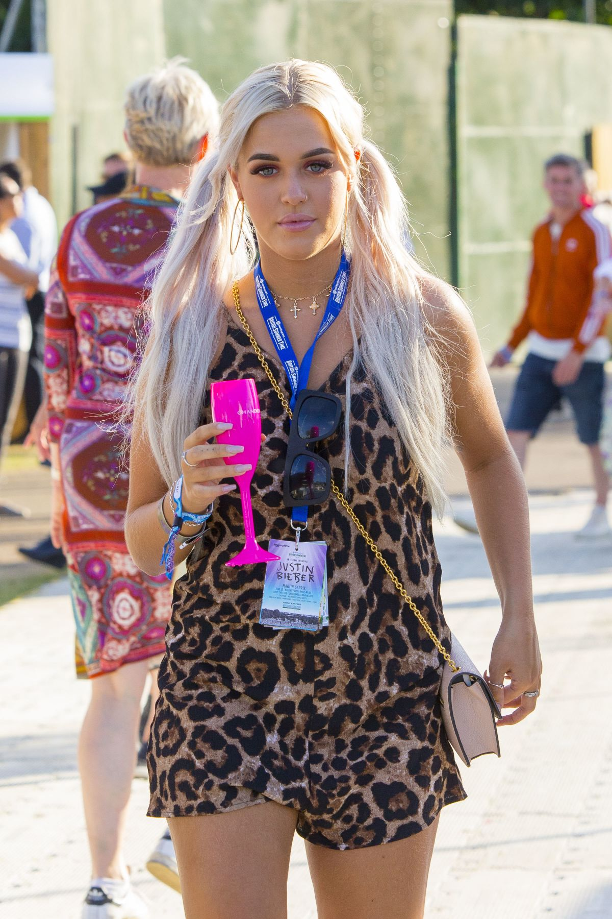 LOTTIE TOMLINSON at British Summer Time Festival in London 07/02/2017