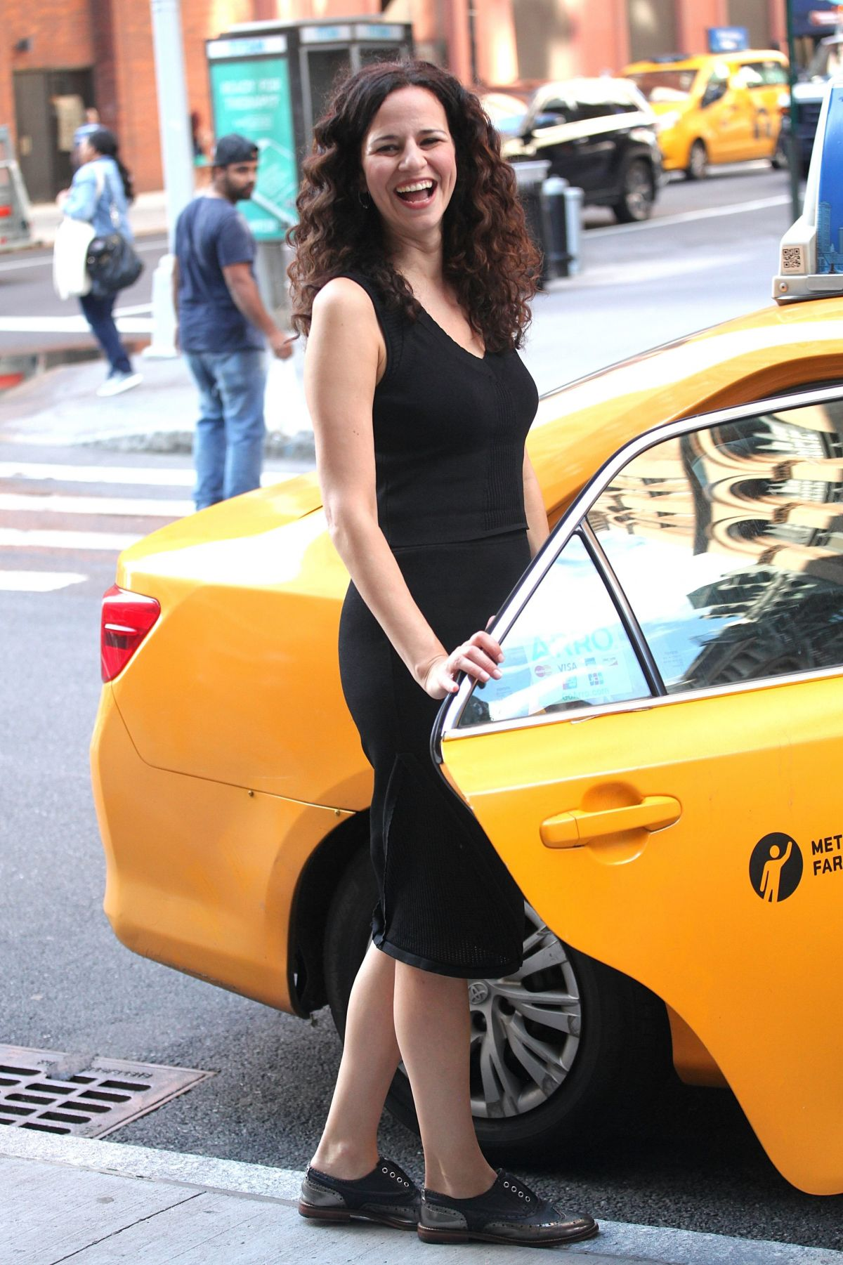 MANDY GONZALEZ Getting a Cab in New York 07/07/2017