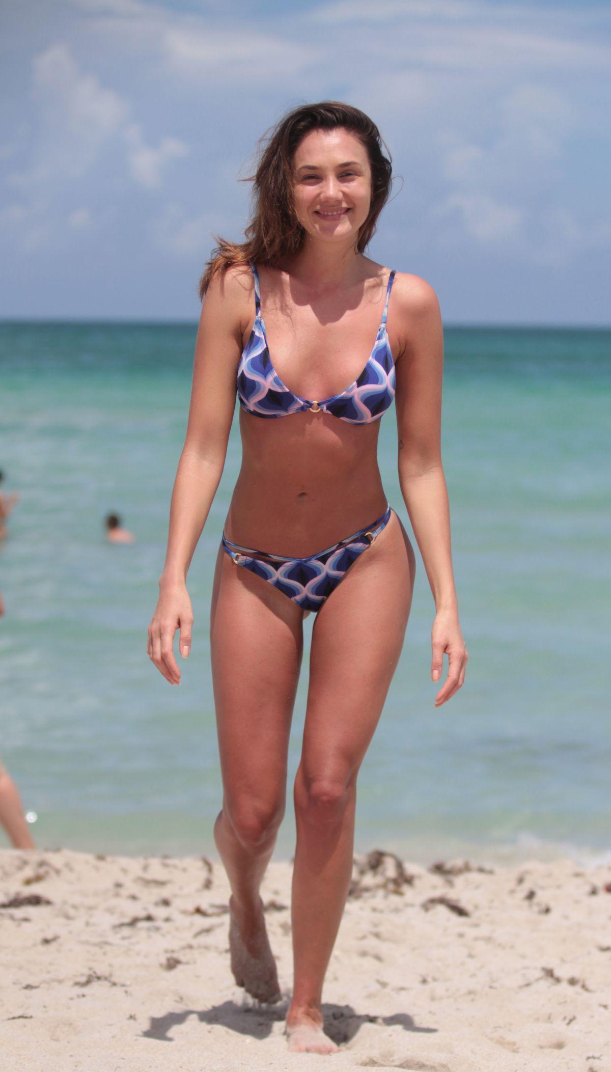 Celebrity Michelle Pieroway nude (98 photos), Sexy, Bikini, Feet, braless 2020
