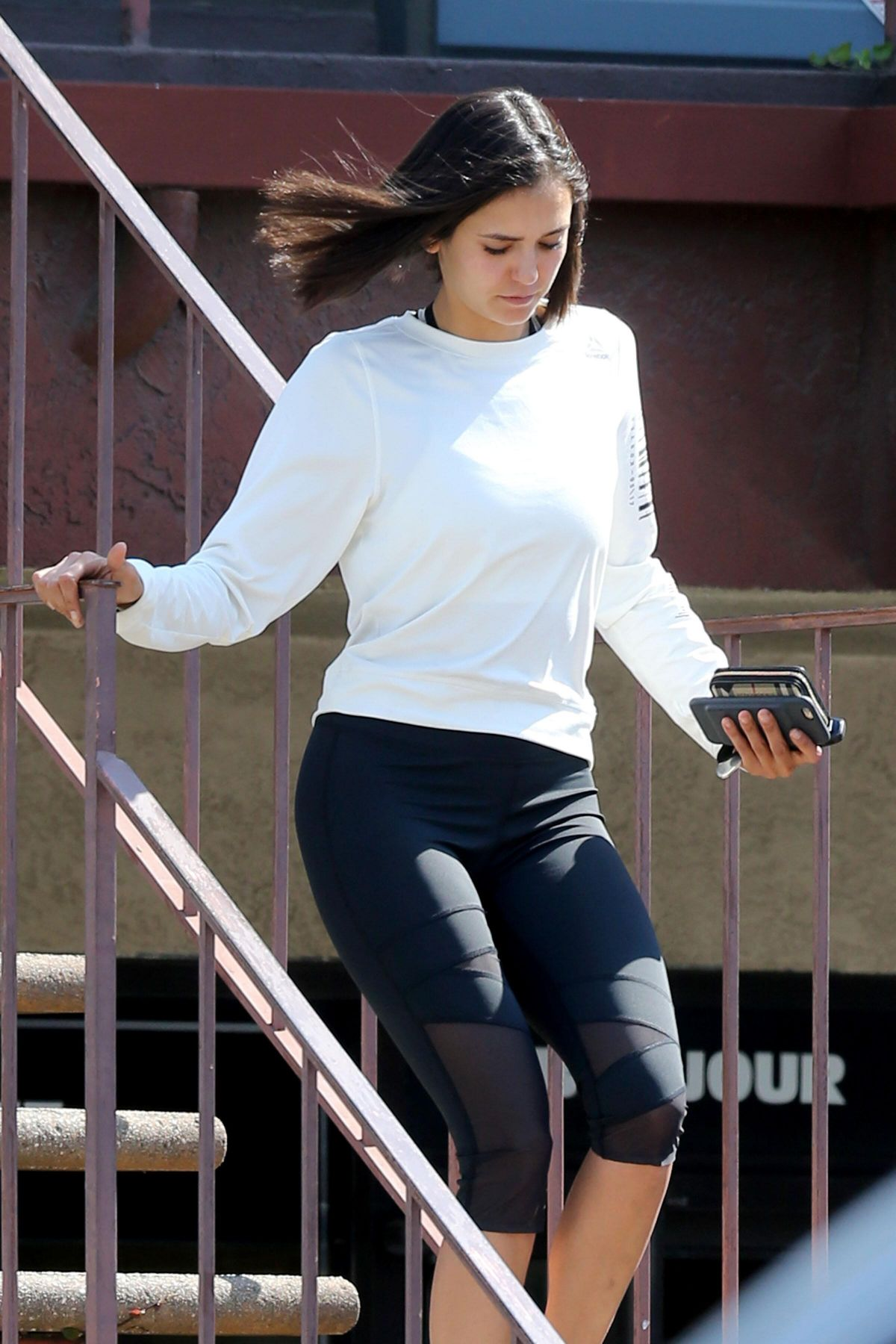 NINA DOBREV Leaves You Doll You! Eyeleash Extensions in Los Angeles 07/05/2017