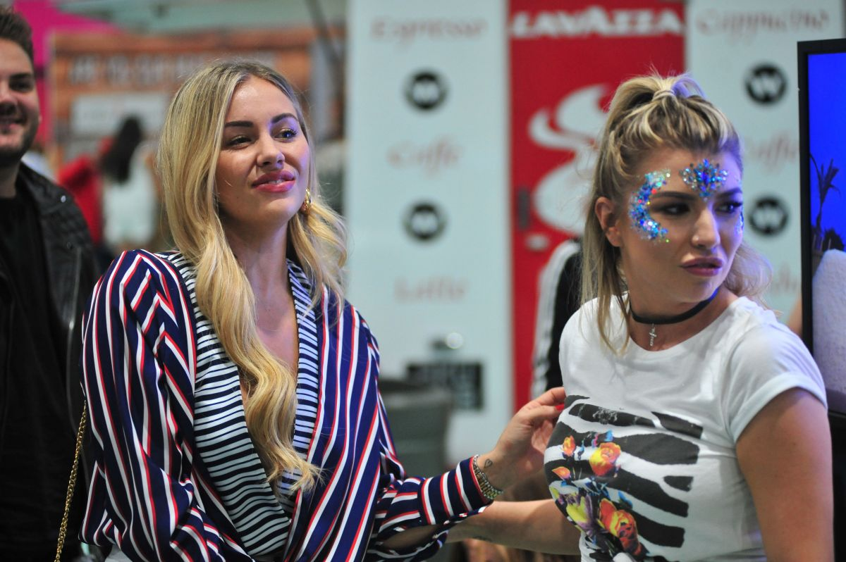 OLIVIA BUCKLAND and ASHLEIGH DEFTY at British Style Collective 2017 in Liverpool 07/08/2017