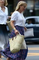 REESE WITHERSPOON Leaves Gwyneth Paltrow
