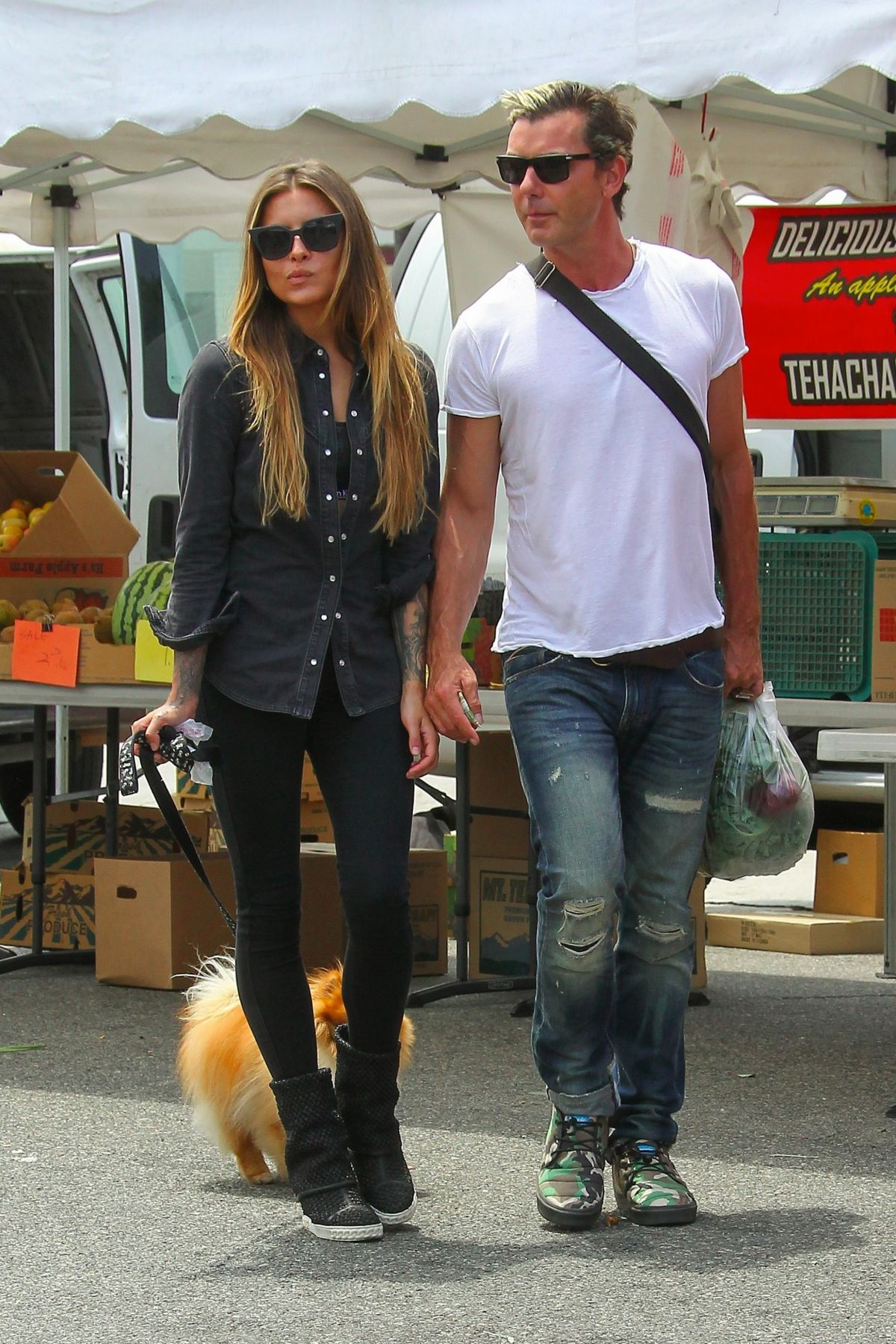 SOPHIA THOMALLA Shopping at Farmer