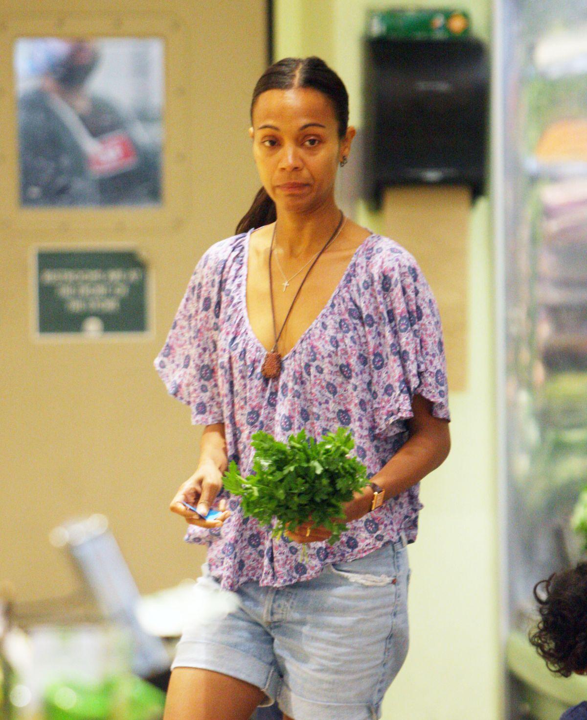 ZOE SALDANA Shopping in Beverly Hills 07/16/2017