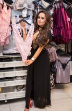AMBER DAVIES at Boux Avenue Store at Bluewater in Kent 08/19/2017