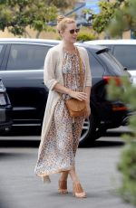 AMY ADAMS Out and About in Santa Monica 08/27/2017
