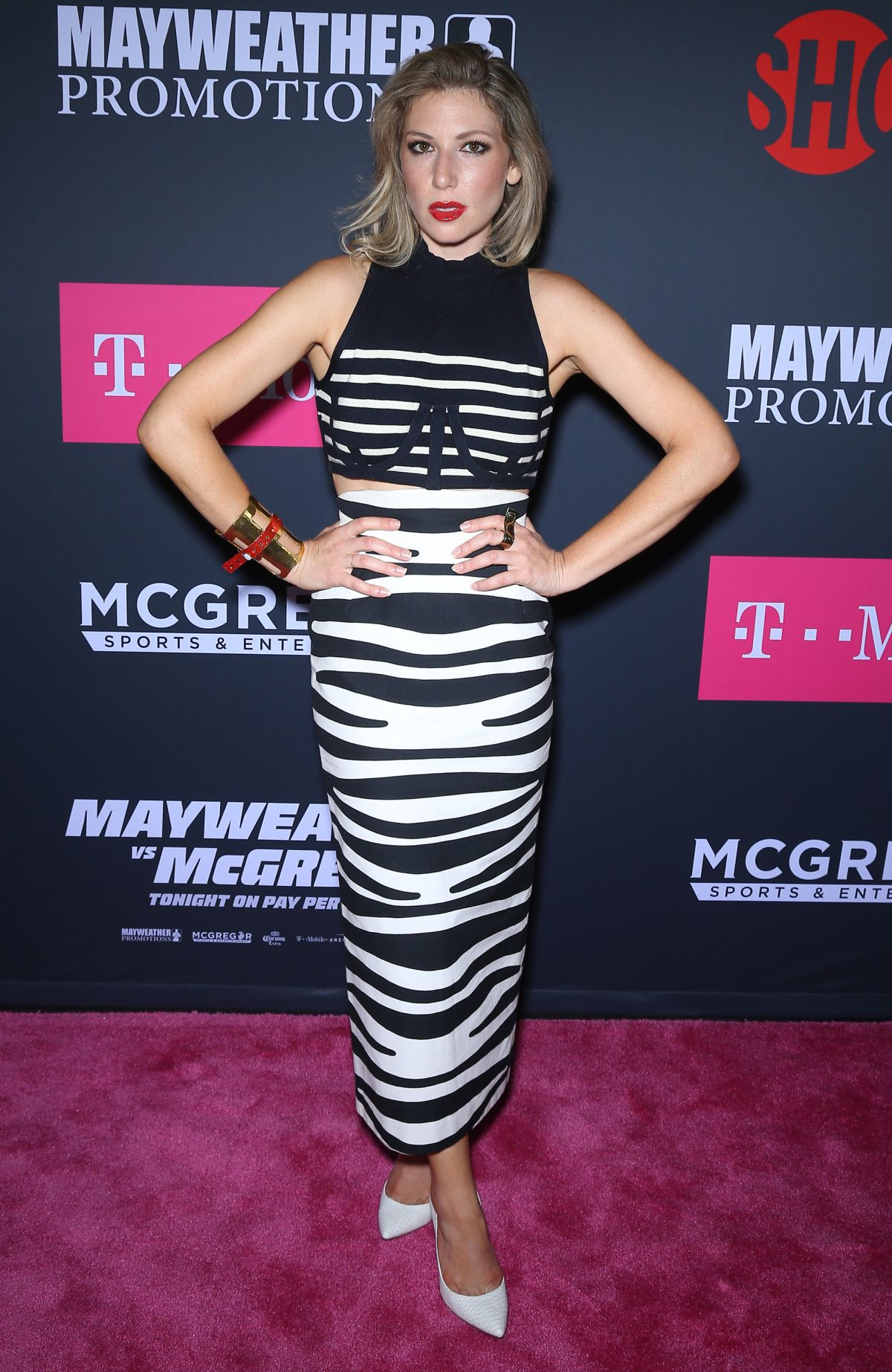 ARI GRAYNOR at Mayweather vs McGregor Pre-fight VIP Party in Las Vegas 08/26/2017