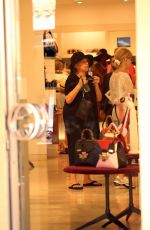 BARBARA STREISAND Shopping in Porto Cervo 08/09/2017