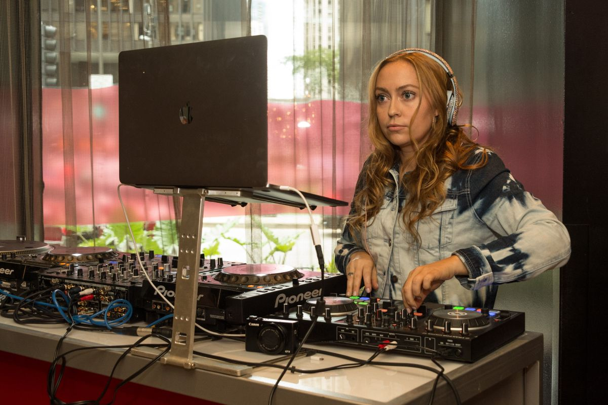 BRANDI CYRUS at Bed Head Hotel Festival Pop-up at Hard Rock Hotel in Chicago 08/04/2017