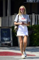 CHIARA FERRAGNI Out and About in Los Angeles 08/30/2017
