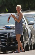 ELIZABETH BANKS Out in Los Angeles Watching Solar Eclipse 08/21/2017