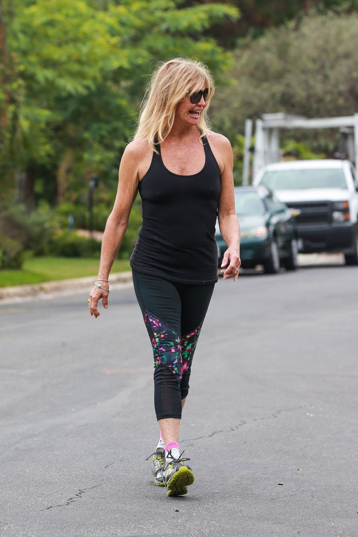 GOLDIE HAWN Workingout Near Home in Brentwood 08/23/2017 ...