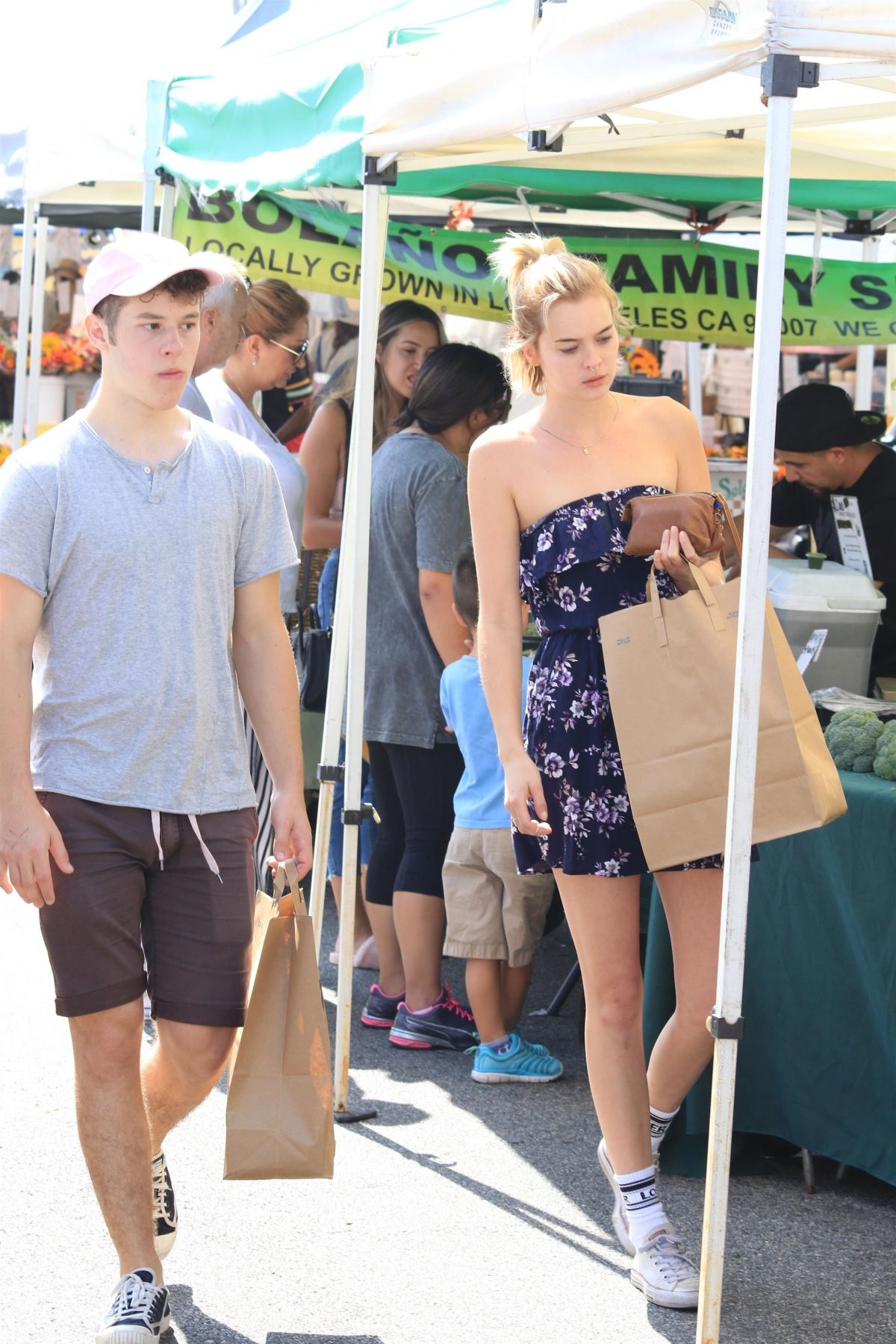HANNAH GLASBY Shopping at Farmer