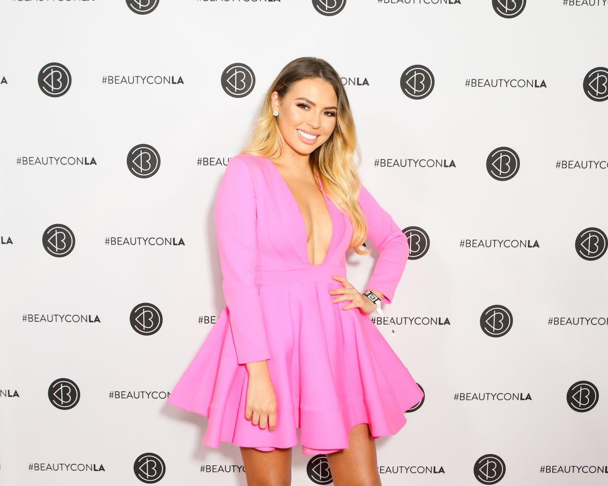 JADEYWADEY180 (JADE MARIA) at Beautycon LA at LA Convention Center in Los Angeles 08/13/2017