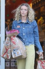 JAIME KING Shopping at Bristol Farms in Los Angeles 08/08/2017
