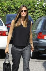 JENNIFER GARNER Arrives at Sunday Church Services in Pacific Palisades 08/13/2017