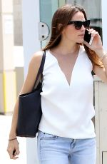 JENNIFER GARNER Out and About in Brentwood 08/15/2017