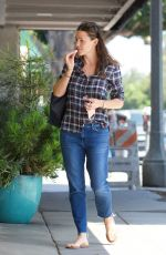 JENNIFER GARNER Out and About in Brentwood 08/21/2017