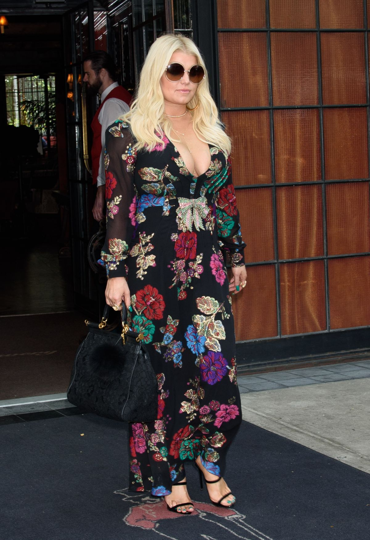 JESSICA SIMPSON Leaves Bowery Hotel in New York 08/10/2017