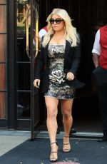 JESSICA SIMPSON Leaves Her Hotel in New York 08/09/2017
